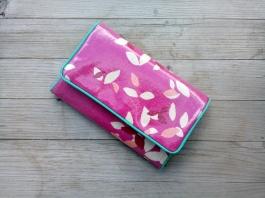 Portemonnaie pink Wachstuch Blätter Blüten